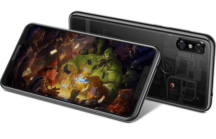 Motorola Moto P30 Display and Performance