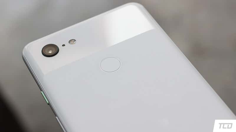 Google Pixel 3 XL Review - Frosted and Glossy Glass Back