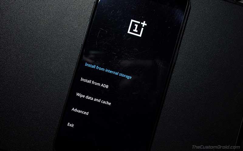 OnePlus5 / 5T: нажмите «Установить из внутреннего хранилища» в стандартном восстановлении.